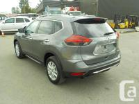 Make Nissan Model Rogue Year 2017 Colour Gray kms