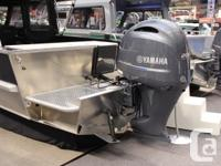 2017 RAIDER 220 Pro Fisherman Hard Top Bulkhead Comes
