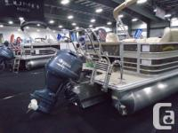 The Mirage 8522 CR pontoon boat by Sylvan combines