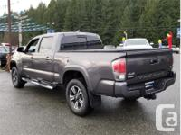 Make Toyota Model Tacoma Year 2017 Colour Grey kms