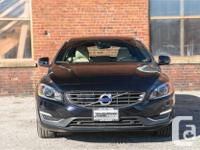 Make Volvo Model V60 Year 2017 Colour Blue Trans