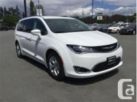 Make Chrysler Model Pacifica Year 2018 Colour White