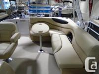 The most compact of the Mirage Cruise pontoon boats