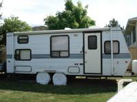 1995 22.5 Foot Sportsmaster Travel Trailer Quality