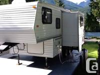 REDUCED -great condition -18' awning -tub/toilet &