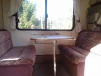 1990 Ford TravelAire in excellent condition.