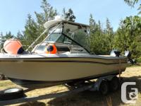 228 Grady White, Older hull is rock solid Led LED