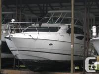 This 2004 Cruisers Yachts 455 Express Motor Yacht is