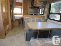 25' Bigfoot Class C RV, 2006,on a Ford E 450 chassis