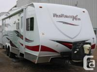 Like New 2011 Fun Finder Xtra XT-276 1/2 ton towable