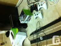 Black mint xbox 360 250gb with box, 3 controllers, a