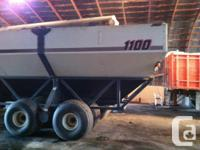 1100 1999 Bourgault 1100, Grain Carts, 1100 Grain Cart,