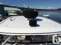Proline 28 Express! Twin Honda 225 Utec outboard Hours