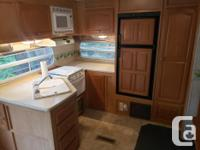 29ft. 2005 Rockwood by Forest River 5th wheel. Ultra