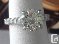 Unbelievable diamond engagement Ring. The ring is