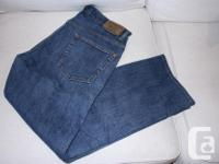 Hi, I am selling 3 pairs of Mens jeans in excellent