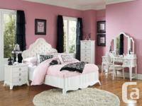 3 Piece Bedroom established for woman ON SALE  Photo