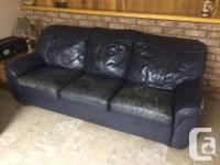 3 seater sofa, in black leather very confortable. In
