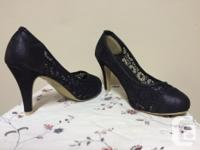 Sweet leather toe and heel shoes with lace body, uppers