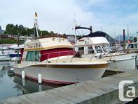 "33' 3"" Bayliner Montego 3350 exceptional condition,"