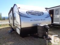GVWR 7635 pounds, 1 Slideout, Tub/Shower, Pantry,