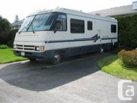 Well maintained 1995 31' Triple E Embassy, Class A