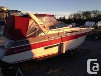 31 four winns with twin 5.7L. Fully loaded and