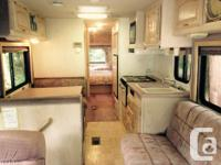 Very nice 32' older motorhome on Ford chassis with 460