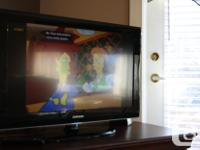 """32"""" LCD TV Design number 32A550P - - Superb condition."""