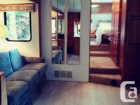 Spacious and Updated Interior. 32' Fifth Wheel clean
