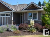 Immaculate 2 bed, 2 shower outdoor patio home. This