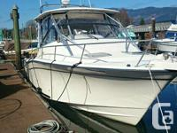 The 33ft Grady White 2002 is completely loaded with
