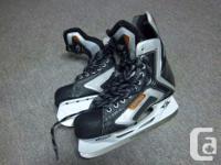 "Easton ""Harmony"" men's skates available. Size is 10.5"
