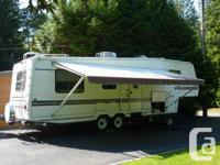34 FT Golden Falcon 5th Wheel Trailer 2 Slides, T.V.,