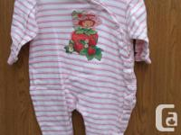 Baby Girl Sleeper size 12M in very good condition,