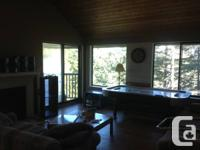 Huge 3 room home (rests 6) very easy! All bedrooms are