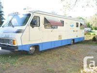 """36 foot 1989 """"Champion"""" RV motor home. Air conditioned,"""