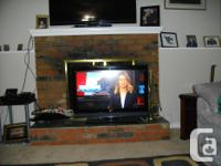 """37"""" LG flatscreen television with factory remote, great"""