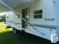37' Keystone Springdale with back bunks. Great, tidy