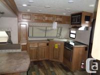 Queen Walkaround Rear Bed, Corner Walkin Shower,