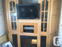 1999 fibre glass fifth wheel with three slides located