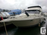 This 32' Bayliner is a very comfortable 2 stateroom