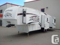 Description: THIS 2009 MONTANA HAS ALL THE AMENITIES