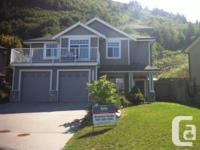 GORGEOUS 4 BED, 3 BATHROOM WITH 2 FULL KITCHENS,