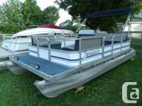 1992 Sweetwater 18' pontoon boat.Comes with seats