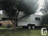 1996 Nash 22' 5th Wheel Excellent condition, very clean