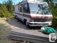 31 ft long, has onnar generator and 3 way fridge. Has