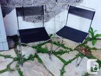 4 chaises spaghetti, theme 80 en acier et pvc. 2 des
