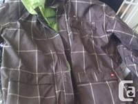 I have a Jacket 4 Square for snowboard,really good
