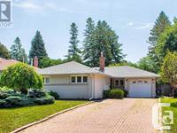 Overview Gorgeous Home! Village 3-Bdrm Converted To